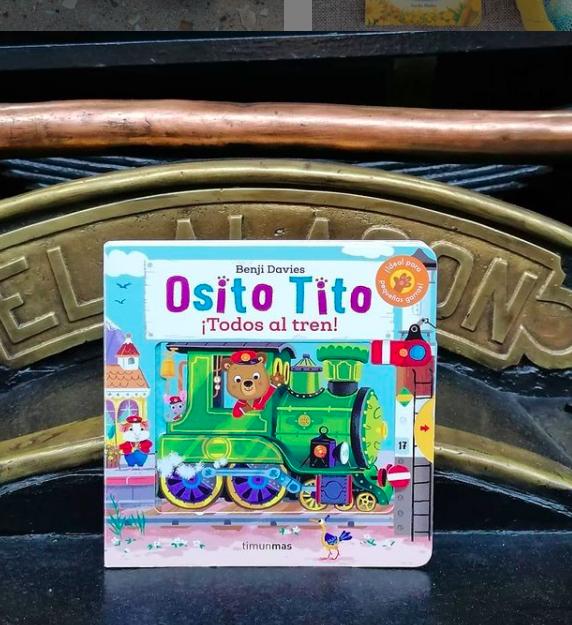 Osito Tito viaja en tren